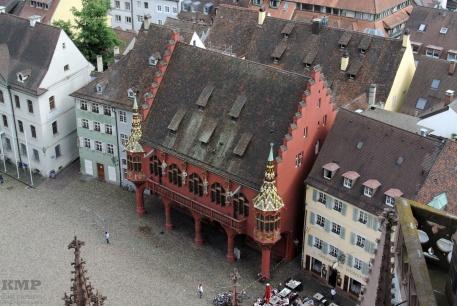 Blick vom Münsterturm auf den Münsterplatz