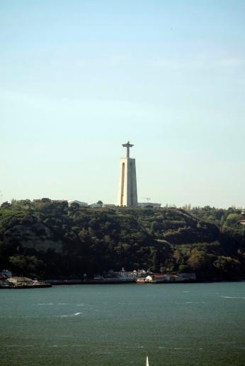Blick über die Bucht vom Castelo de S. Jorge