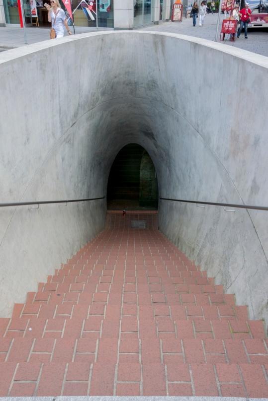 Blick in den Dresdner Untergrund (= Kanalisation), ein teures Kunstprojekt