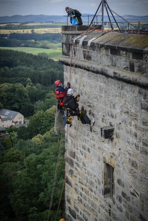 Der Unterhalt der Festung verlangt alpines Können