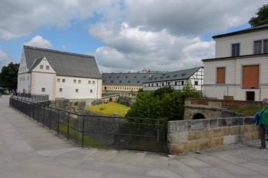 Das Innenareal der Festung gleicht einem kleinen Dorf