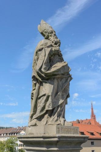 Figur auf der alten Mainbrücke