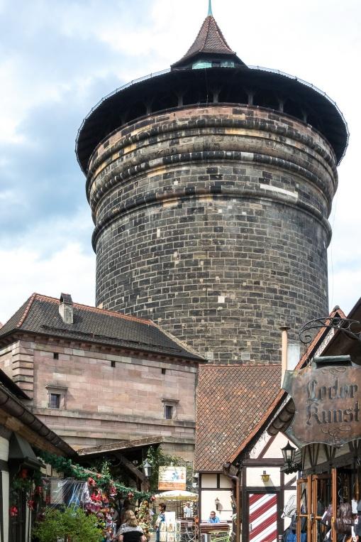Der Turm vom Handwerkerhof