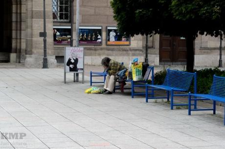 Obdachloser vor der Oper