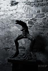 Kunstausstellung im Gewölbe unter dem Schloss