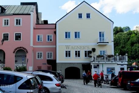 Mein Hotel am Donauufer