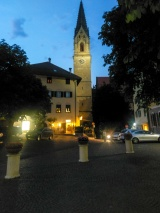 Der Rathausplatz by night