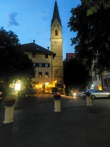 Der Rathausplatz by night