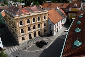 Blick hinunter vom Rathausturm