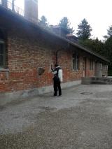 Vor der Gaskammer