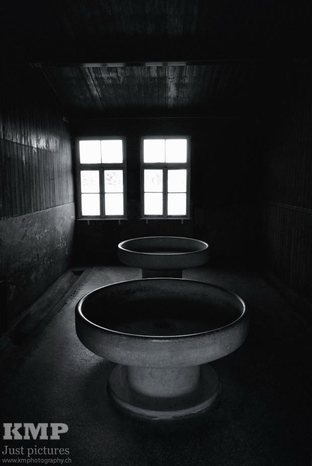 Waschraum in der Häftlingsbaracke