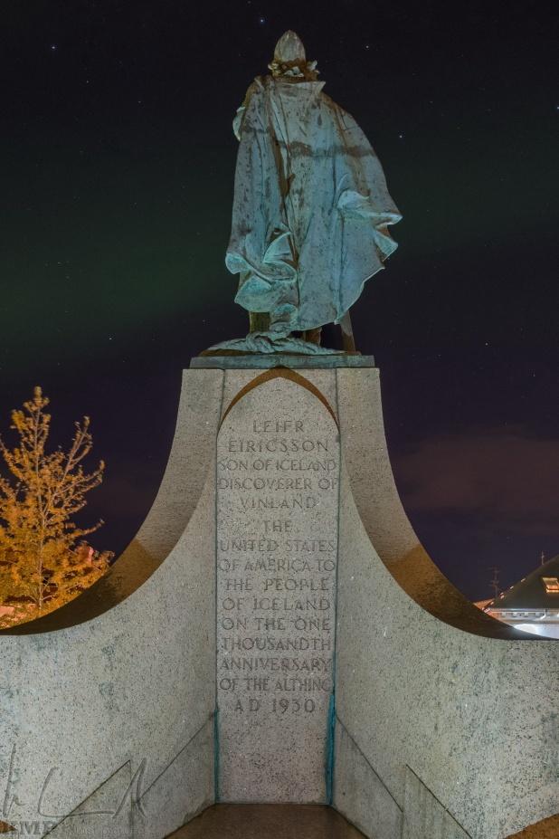 """Leifur Eiríksson """"der Glückliche"""" beobachtet die Nordlichter"""