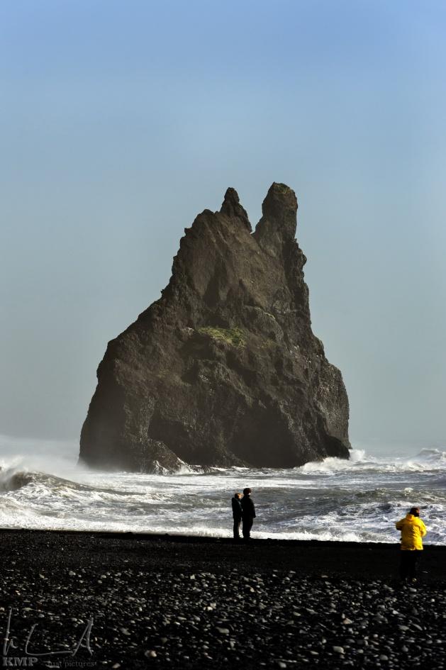 Basaltfelsen im Meer