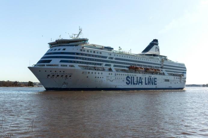 Ankunft eines Kreuzfahrtschiffes