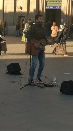Strassenmusiker am Hauptbahnhof