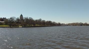 Der Hauptkai mit der Kirche auf Suomenlinna