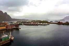 Blick über den Hafen von Svolvær vom 8. Stock des Thon Hotel Lofoten