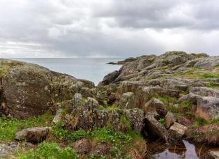 Blick auf das offene Meer von der alten Stellung der Küstenartillerie aus
