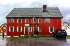 Die Fischereiaufsicht in Henningsvær