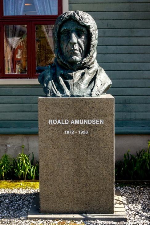Büste des Polarforschers Roald Amundsen