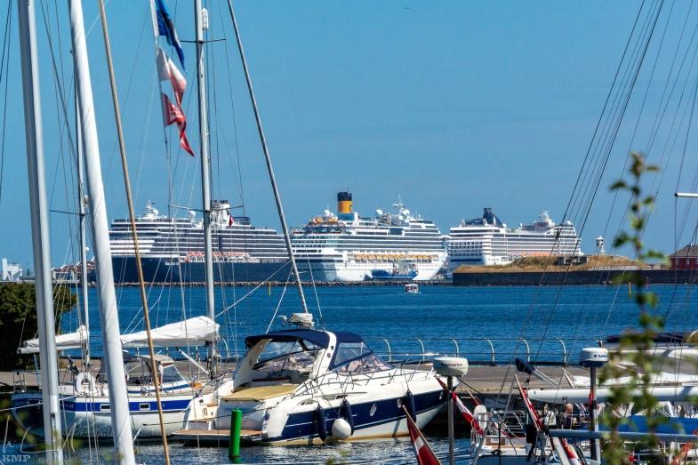 Kreuzfahrtschiffe im Hafen