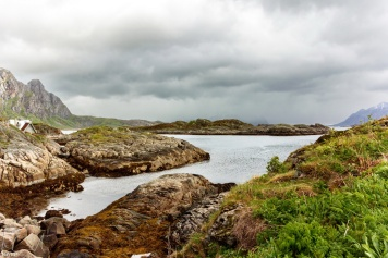 Auf dem Weg zu den verlassenen Küstenartilleriestellungen