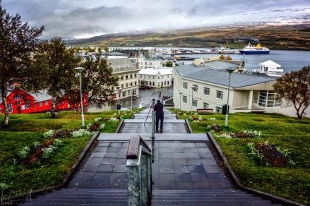 Blick auf die Innenstadt von Akureyri von der Akureyrarkirkja