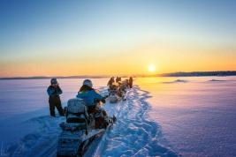 Zwischenhalt mit heissen Tee auf dem Inarijärvi