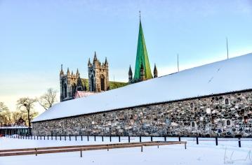 Der Bischofssitz und der Nidarosdom von Trondheim