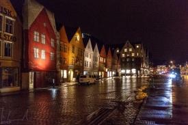 Das Bryggen Quartier bei Nacht