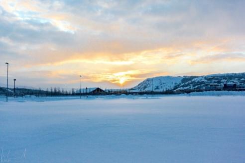 Sonnenaufgang um 10:00 in Kirkenes