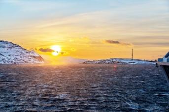 Kurz vor der Hafeneinfahrt in Hammerfest