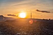 Sonnenaufgang über der Insel Melkøya vor Hammerfest