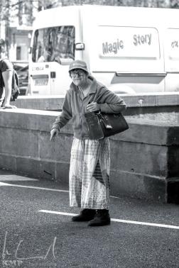 Bettlerin beim Martinsmünster