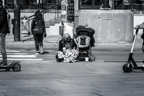 Bettlerin auf dem Jernbanettorget