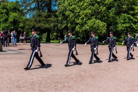 Wachtablösung der Hans Majestet Kongens Garde vor dem königlichen Schloss
