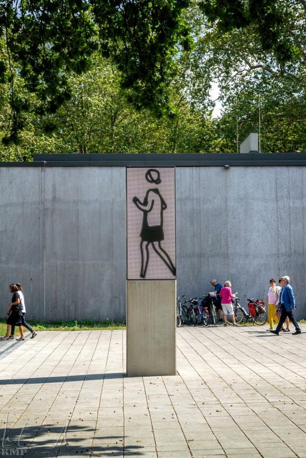 Lehmbruck Museum beim Immanuel-Kant-Park
