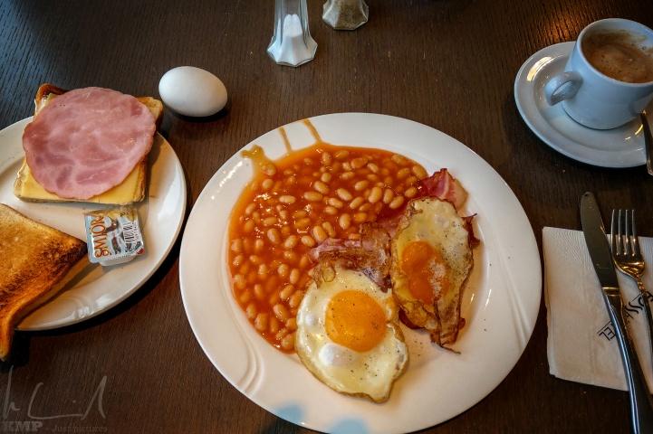 Ein deftiges Frühstück hilft durch den Tag